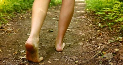 Scientist Explains What Walking Barefoot Does To Your Body