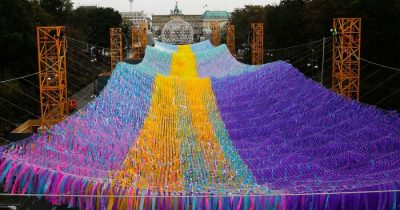 120,000 Ribbons Hover Around Where The Berlin Wall Once Stood To Mark 30-Year Anniversary Of Its Fall