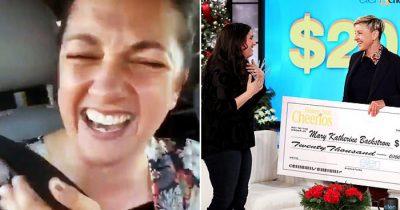Mom Who Went Viral For Mistakenly Hugging A Stranger Gets $20k From Ellen