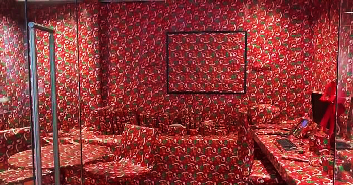 Employee Pranked Her Boss By Wrapping 'Everything' In Her Office With Festive Paper
