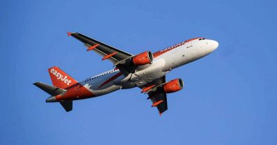 Drunk Man Tries To Eat Mobile Phone On Plane, Forces Emergency Landing To Escort Him Out