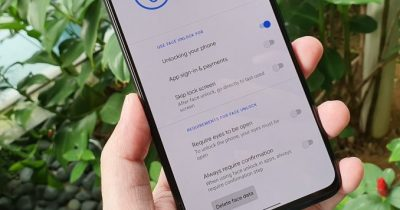 Google Pixel 4 face unlock now requires eyes to be open.