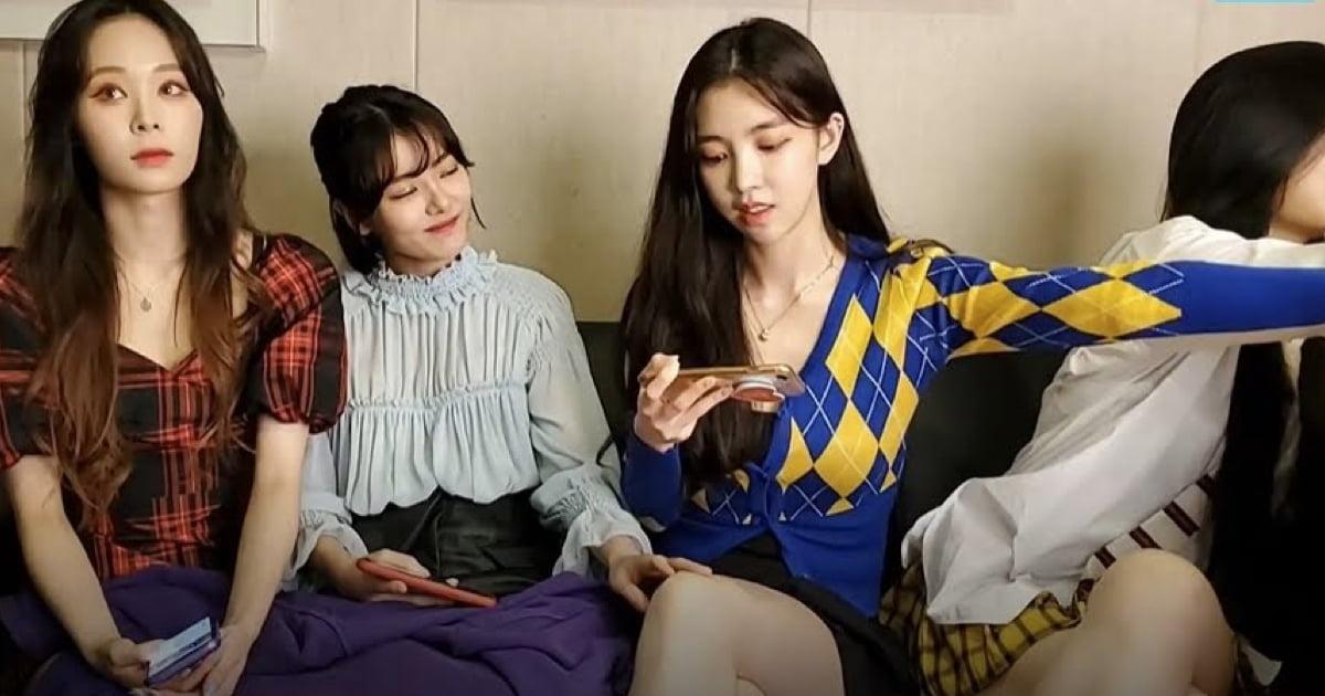 Manager Slaps The Member Of K-Pop Girl For Covering Legs Of Teammates During Livestream
