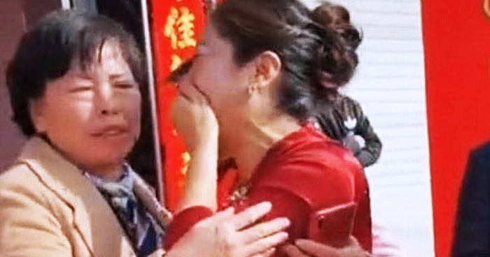 Mom Discovers Her Son's Bride Is Her Daughter On Their Wedding Day