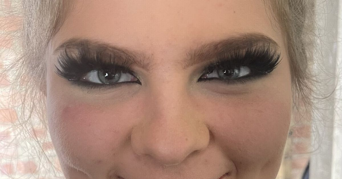 Mom Slams School After Her Daughter Was Left In Tears At Being Forced To Remove Fake Eyelashes